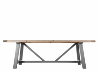MADE Iona Dining table